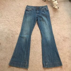 Seven7 sexy flare blue jeans